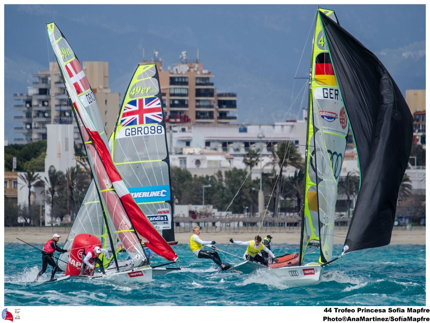 49er sailing theatre style final in Palma 2013